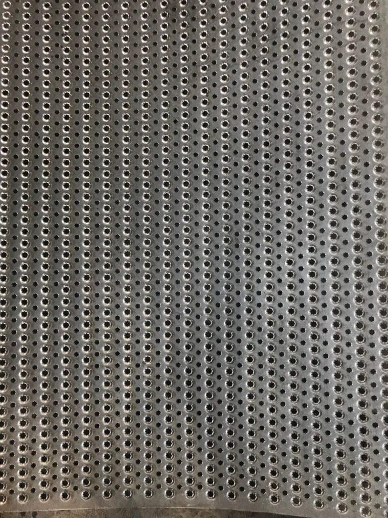 Inox có đục lỗ được thiết kế thành nhiều sản phẩm hữu ích