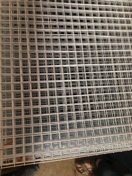 Lưới inox 304 có độ bền cao, chịu lực rất tốt