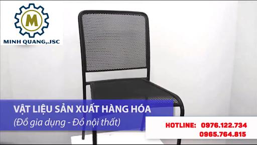 Chiếc ghế làm từ tôn dập lỗ